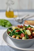 picture of chickpea  - Salad light with spinach - JPG