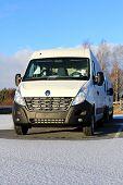 White Renault Master dCi 125 Van