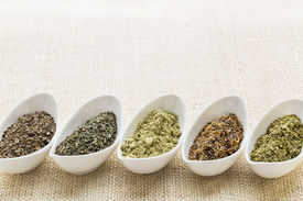foto of irish moss  - bowls of seaweed diet supplements  - JPG