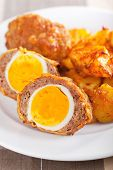 picture of meatloaf  - Meatloaf with boiled eggs in puff pastry - JPG