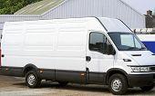 Nuevo camión blanco