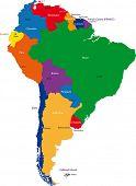 Colorido mapa da América do Sul com países e capitais