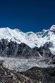 image of cho-cho  - Mountain summits in the vicinity of Cho oyu peak - JPG