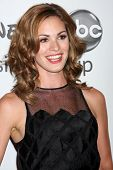 LOS ANGELES - JUL 27: Daisy Betts kommt bei der ABC TCA Party Sommer 2012 im Beverly Hilton Hotel