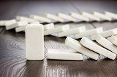 Domino Stückkonzept stehen noch