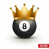 Golf ball with king crown