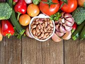 image of pinto  - Pinto beans in a bowl and vegetables - JPG