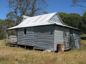 image of bogong  - Faithfuls hut on the Bogong High Plains Victoria - JPG