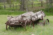 image of spreader  - Horse drawn maure spreader from late 30 - JPG