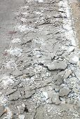 Cement Fracture Surface Destruction