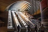 Canary Wharf tube underground station