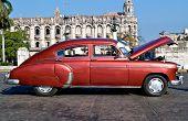Havanna-Januar 11:Classic Auto Januar 11,2011 in Havana.Cubans halten Tausende von ihnen ausgeführt despit