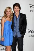 LOS ANGELES - AUGUST 1: Britt Robertson & Gregg Sulkin arrive(s) bei der 2010 ABC Summer Press Tour