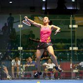 KUALA LUMPUR - SEPTEMBER 01: Low Wee Wern (rot) schlägt den Ball in ihr Spiel bei der malaysischen TC-Na