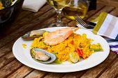 Seafoof paella