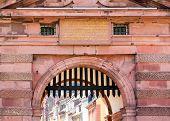 Entrada a la antigua ciudad de Heidelberg de Alemania