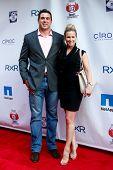 NEW YORK-mei 30: New York Giants speler Zak DeOssie en vrouw Kate het bijwonen van de 5e jaarlijkse plooi Celeb