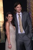 LOS ANGELES - DEC-05: LEA MICHELE & ASHTON KUTCHER aankomen