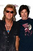 LOS ANGELES - JUN 3:  Peter Beckett, Ronn Moss of Player at the Player Concert at the Canyon Club on