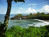 image of tanah  - Indonesian temple in sea - JPG