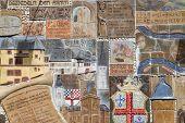 Zell, Deutschland-18. Juli: Historisches Mosaik an eine Stadtmauer am 18. Juli 2012 in Zell, Deutschland