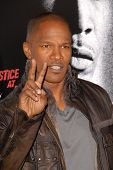 Jamie Foxx at the Los Angeles Premiere of 'Law Abiding Citizen'. Grauman's Chinese Theatre, Hollywoo