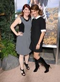 LOS ANGELES - NOV 19:  Kate Flannery & Nia Vardalos arrives to the