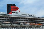 Queen Mary 2 cruise ship details