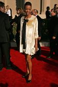 LOS ANGELES - AUGUST 19: Aisha Tyler at the 58th Annual Creative Arts Emmy Awards on August 19, 2006 at Shrine Auditorium in Los Angeles, CA.