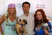 WOODLAND HILLS - APRIL 30: Nikki Schieler Ziering, Rich Fields and Phoebe Price at the Nuts For Mutts Dog Show at Pierce College on April 30, 2006 in Woodland Hills, CA.