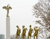 picture of macedonia  - Statues of a monument Fallen Heroes of Macedonia - JPG