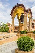 Statue Of Phra Bat Somdet Phra Poramenthra Maha Mongkut Phra Chom Klao Chao Yu Hua, Or Rama Iv, Know
