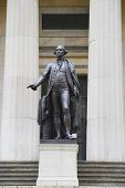George Washington Statue in the front of Federal Hall in New York City