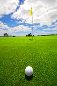 picture of landscapes beautiful  - Putting for parr on the green on a beautiful golf course - JPG
