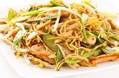 chinese stir-fried noodles with chicken