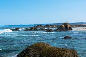 picture of mendocino  - View of the coast along Fort Bragg - JPG