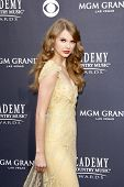 LAS VEGAS - 03 de abr: Taylor Swift chega para 46 Academia do Country Music Awards, no MGM Gr