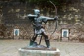 Statue of Robin Hood, East Midlands
