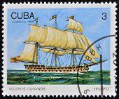 CUBA - alrededor de 1989: Un sello impreso en Cuba muestra imagen de cubanos vela Triunfo alrededor de 1989