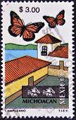 México - alrededor de 1997: Un sello impreso en México dedicada a Michoacán, lepidoptera, alrededor del año 1997
