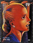 ARGENTINA - CIRCA 2002: um selos impressos na Argentina mostra Evita Peron circa 2002