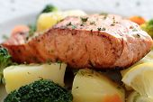 salmon baked with potatoes