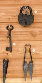 Old lock, keys and scissors for shearing