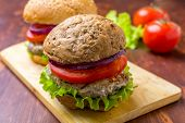 pic of hamburger  - Healthy Chicken Hamburger with a Whole Grain Bun and Vegetables - JPG