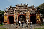 Tor zum Hien Lam-Pavillon