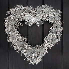 image of scottish thistle  - Heart shaped christmas wreath with silver scottish thistle - JPG