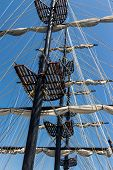 foto of rig  - Rigging of the old tall ship - JPG