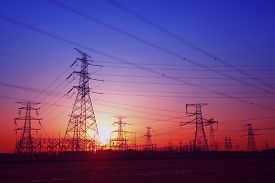 pic of electricity pylon  - The evening electricity pylon silhouette - JPG