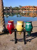 Sortieren Müll in Elgouna. Ägypten