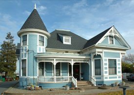 foto of victorian houses  - a well kept old victorian home in northern california - JPG